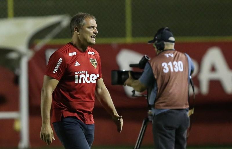 """Aguirre celebra volta da tranquilidade ao São Paulo: """"Era a prioridade"""""""
