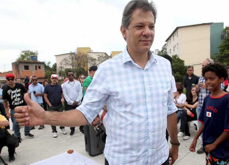 Haddad deixa de visitar Lula