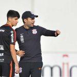Araos ganha chance como meia e tenta mostrar versatilidade no Corinthians