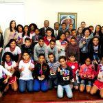 Estudantes de Santa Maria conhecem cultura do Haiti em visita à embaixada