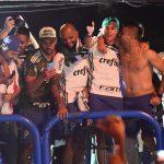 Festa da torcida palmeirense na Academia de Futebol: veja fotos