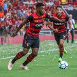"""Michel Bastos diz que jogadores estão com salário atrasado: """"Não é fácil"""""""