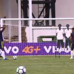 Seleção Sub-20 treina faltas em Goiânia