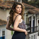 Sempre discreta, Alinne Moraes expõe casamento e conta detalhes inéditos