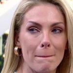 """Ana Hickmann desabafa sobre presente do amigo secreto e expõe fake news: """"Não ganhei uma pedra"""""""