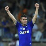 Grêmio consulta situação de Thiago Neves e investirá no meia; Corinthians monitora situação