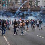 Protestos contra governo venezuelano deixam 13 pessoas mortas