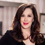 Aos 52 anos, Claudia Raia posa de biquíni e deixa internautas chocados