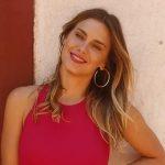 Carolina Dieckmann relata a dificuldade de viver divida entre Brasil e EUA