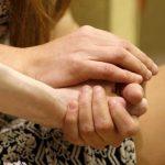 Adolescente denuncia 'tortura' durante trabalho de parto