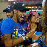 """Flagrada com Neymar, Anitta abre o jogo sobre o jogador e dispara: """"Não sou amiga da Marquezine"""""""