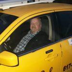 Taxista salva idosa de 87 anos do golpe do telefone