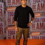 Hugo Moura revela sofrer cobranças na carreira de ator por causa de Deborah Seco e explica o motivo